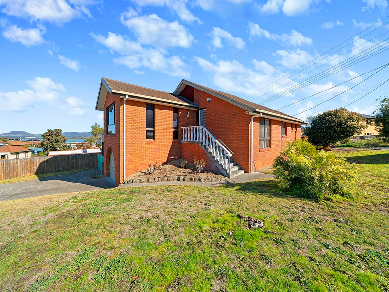 15 Bay Road, Midway Point TAS 7171