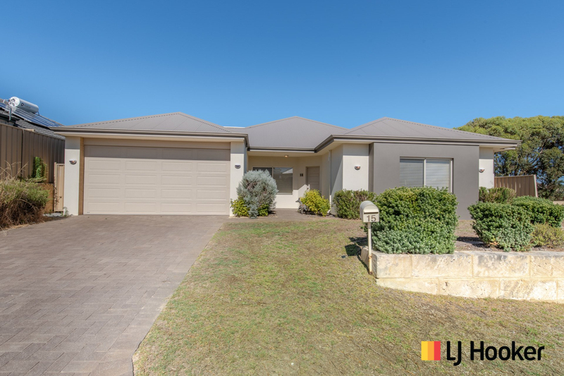 Photo - 15 Bundegi Way, Two Rocks WA 6037  - Image 1