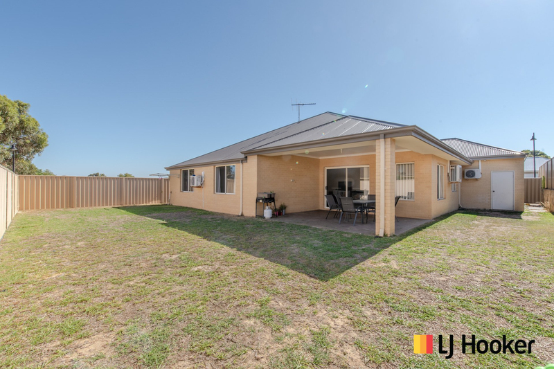 Photo - 15 Bundegi Way, Two Rocks WA 6037  - Image 15