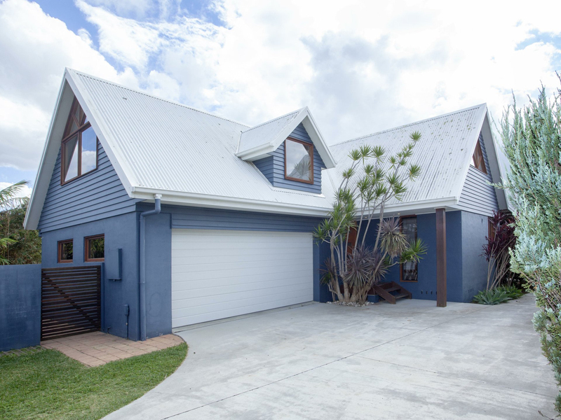1/5 Flagtail Avenue, Old Bar NSW 2430