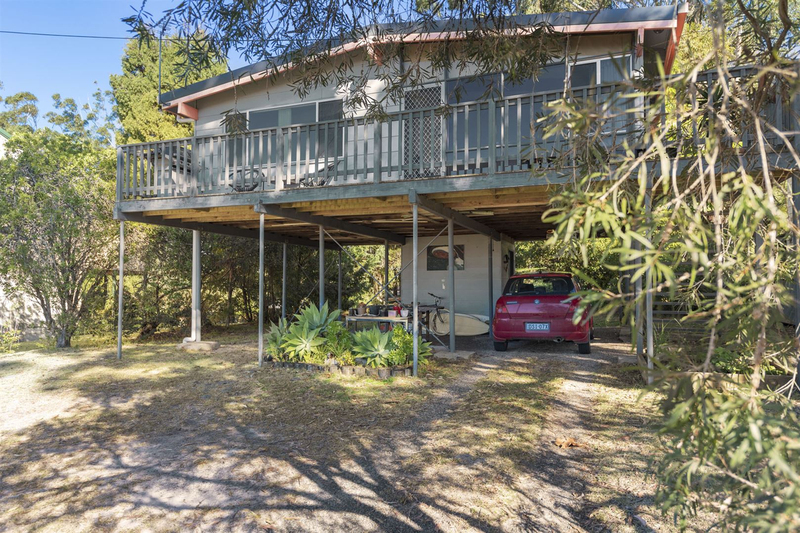 15 Hilltop Crescent, Mollymook NSW 2539