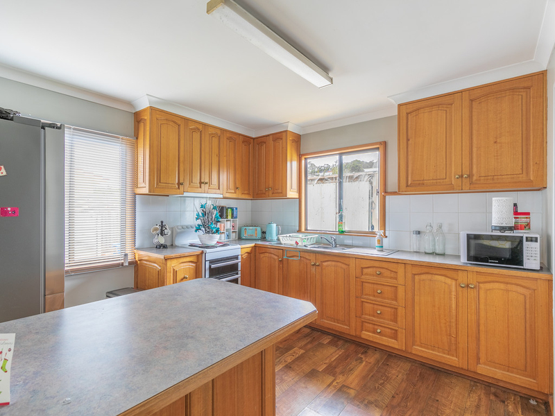 Photo - 15 Lantana Road, Risdon Vale TAS 7016  - Image 3