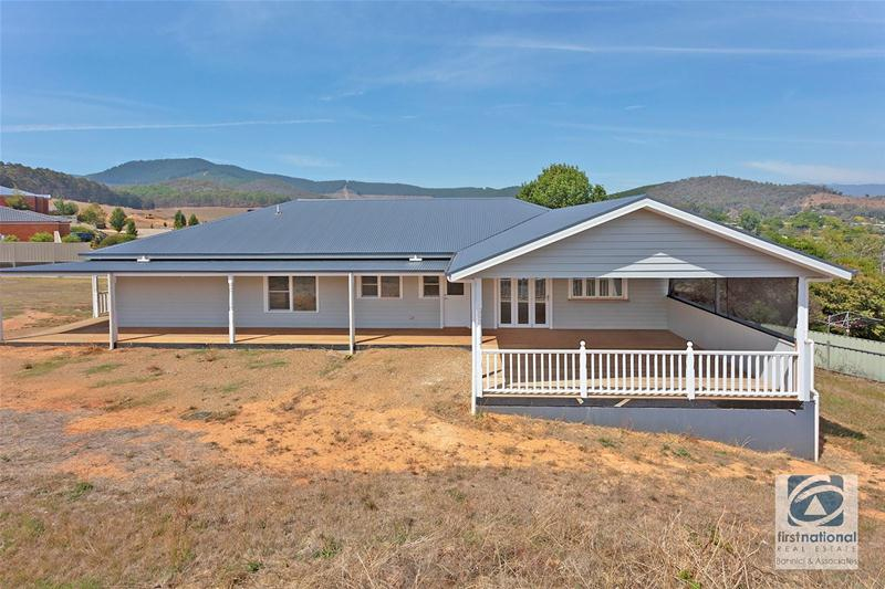 Photo - 15 Rangeview Drive, Myrtleford VIC 3737  - Image 14