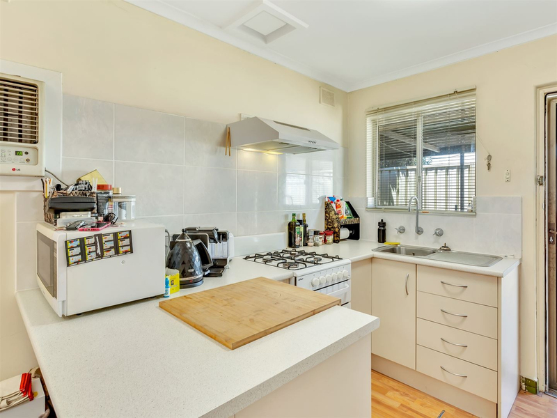 Photo - 1/52 Harvey Street East Woodville Park SA 5011  - Image 5