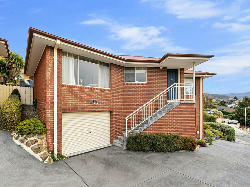 1/52 Rosehill Crescent, Lenah Valley TAS 7008