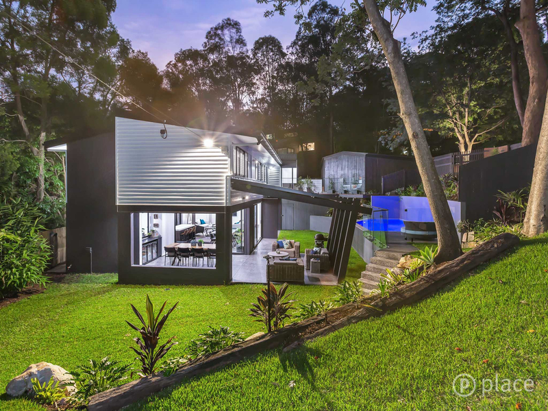 Photo - 16 Angus St Bardon QLD 4065  - Image 8