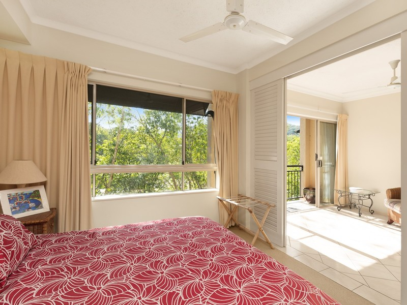 1615 2 Greenslopes Street Cairns North QLD 4870