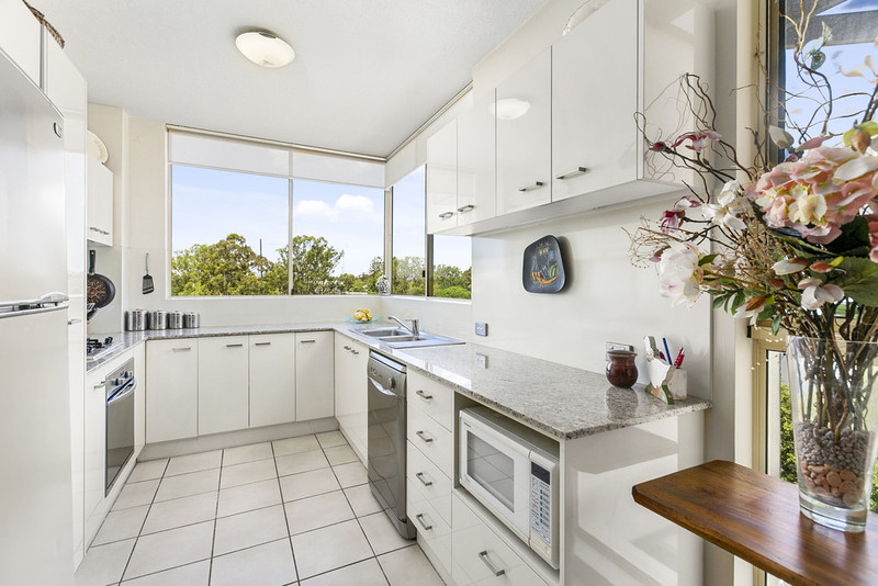 16 22 riverview terrace indooroopilly qld 4068 squiiz for 22 river terrace apartments