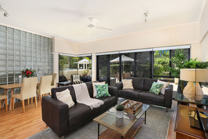 ABSOLUTE BEACHFRONT MOOLOOLABA SPIT - UNIQUE OPPORTUNITY!