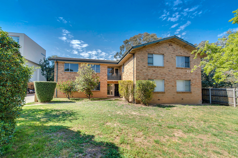 Photo - 16/51 Hampton Circuit, Yarralumla ACT 2600  - Image 10