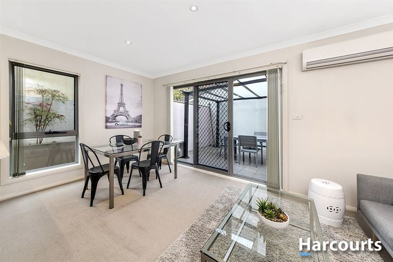 Photo - 1/69 Torrens Street, Braddon ACT 2612  - Image 7