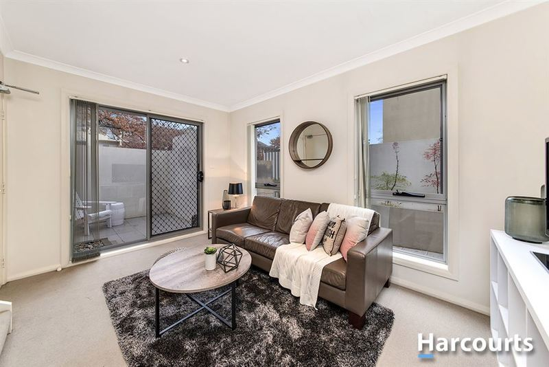 Photo - 1/69 Torrens Street, Braddon ACT 2612  - Image 8