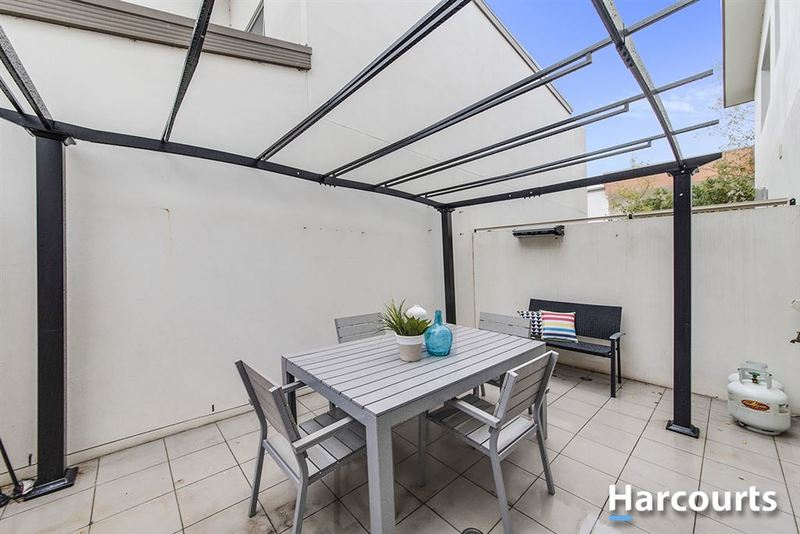 Photo - 1/69 Torrens Street, Braddon ACT 2612  - Image 10