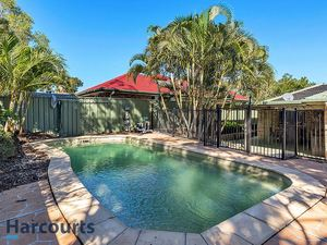 Must Be Sold!   Family Home with 2 Living Areas + Pool!