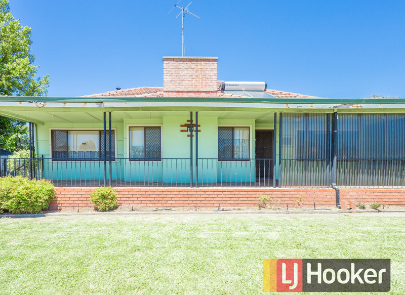 17 Coombes Street, Collie WA 6225