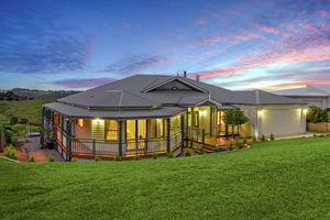 OPEN SAT 12 - 12:30pm - Country Home - Modern conveniences - Not to be missed!