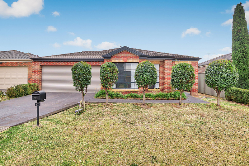 Photo - 17 Tyndall Street, Cranbourne East VIC 3977  - Image 1