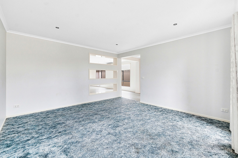 Photo - 17 Tyndall Street, Cranbourne East VIC 3977  - Image 3