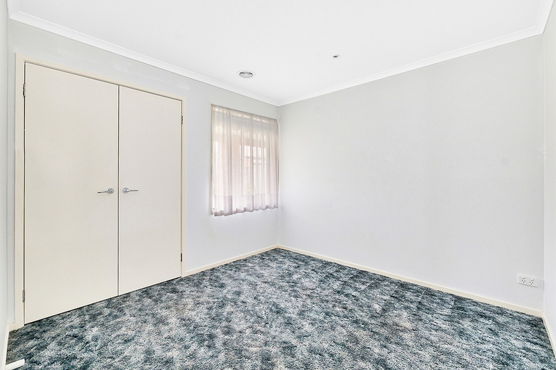 Photo - 17 Tyndall Street, Cranbourne East VIC 3977  - Image 12