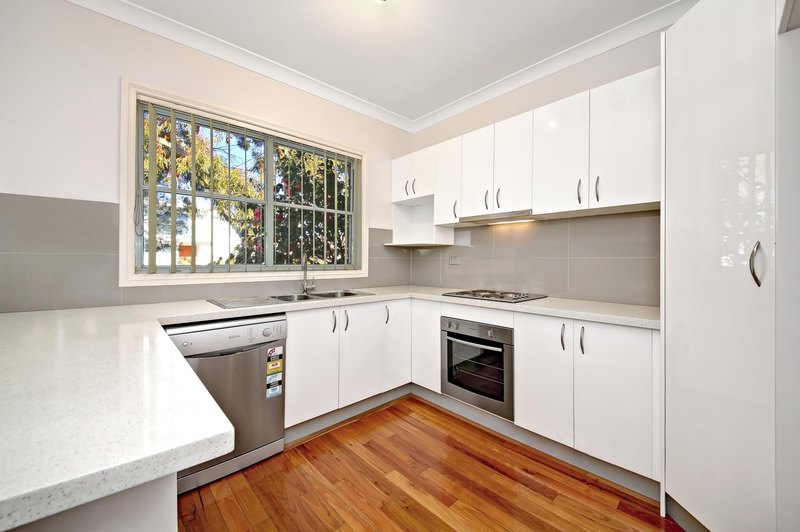 Photo - 1/75 Greenacre Road, Connells Point NSW 2221  - Image 3