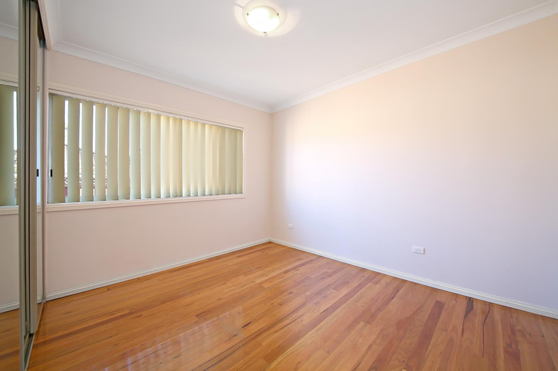Photo - 1/75 Greenacre Road, Connells Point NSW 2221  - Image 4