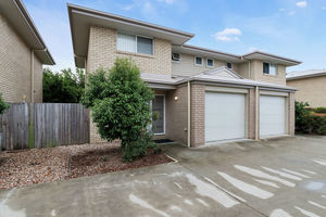 Brilliant Townhouse With Great Potential!