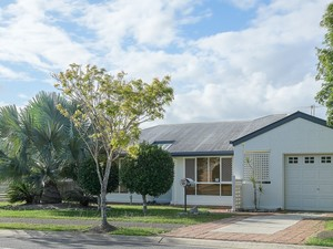 FAMILY FRIENDLY HOME IN THE HEART OF NARANGBA