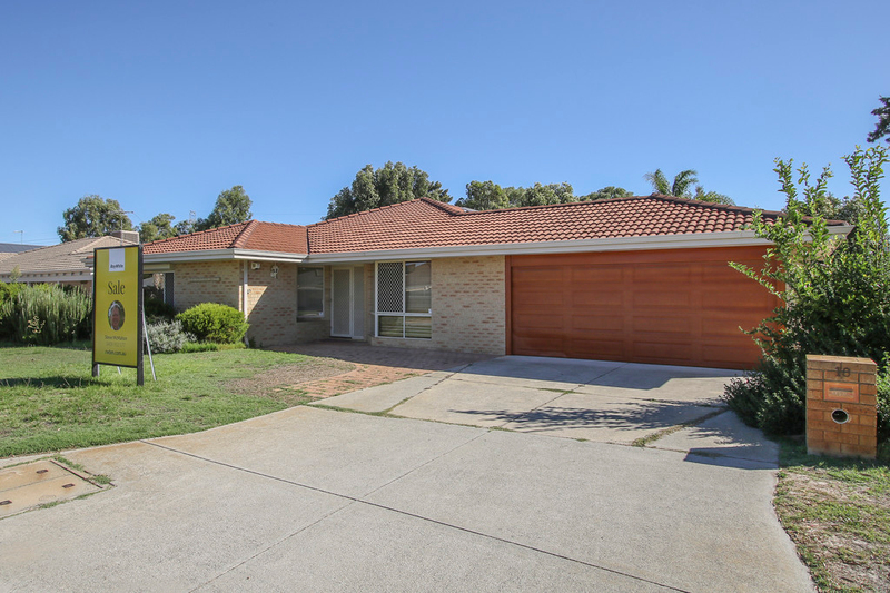 Photo - 18 Winchester Place, Ballajura WA 6066  - Image 1