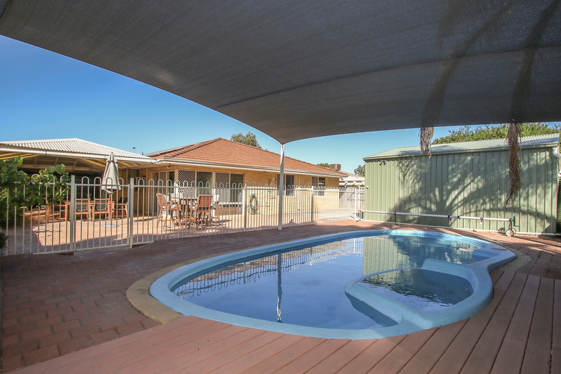 Photo - 18 Winchester Place, Ballajura WA 6066  - Image 25