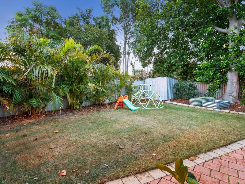 18E Wardlow Way, Balga WA 6061