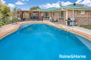 4 BEDROOM HOME ON 1000M2 IN NORTH SHORE ESTATE!!!