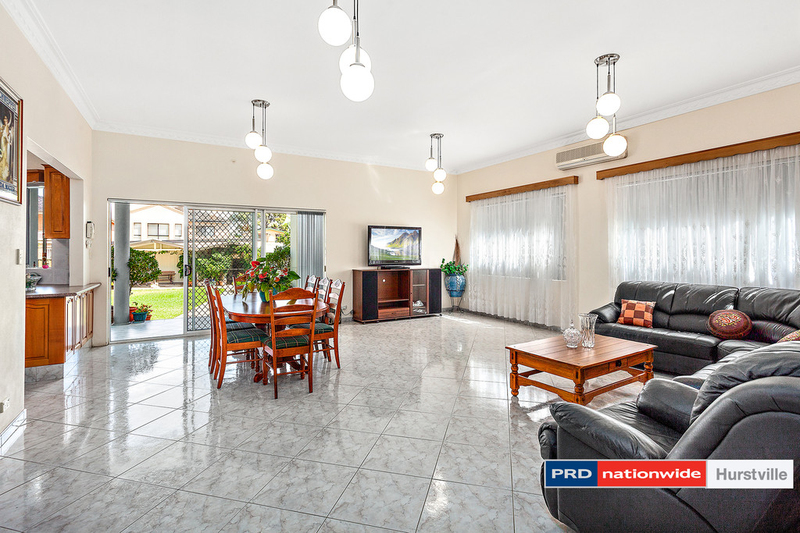 Photo - 19 Taunton Road, Hurstville NSW 2220  - Image 2