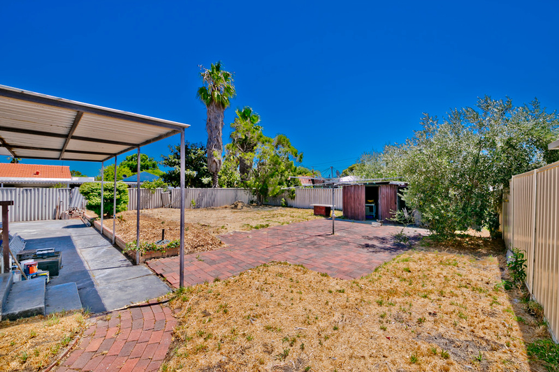 Photo - 19 Winterton Way, Girrawheen WA 6064  - Image 21