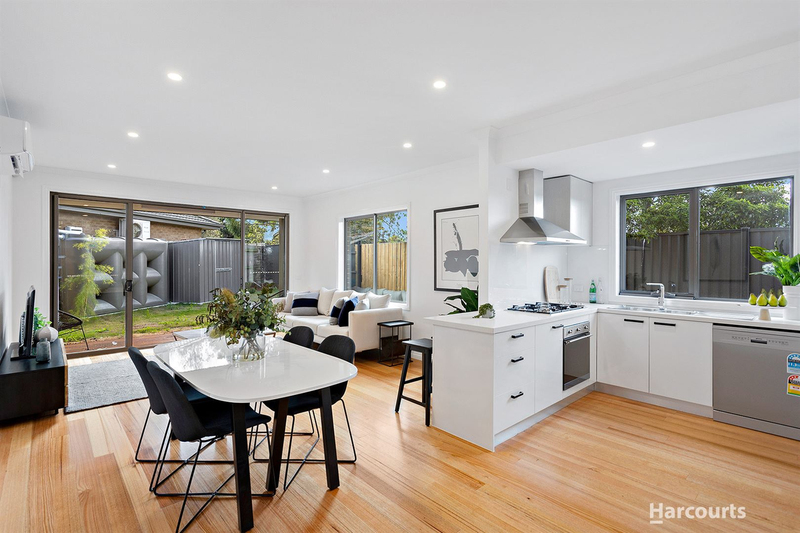 Photo - 2 & 3/21 Diosma Drive, Glen Waverley VIC 3150  - Image 4
