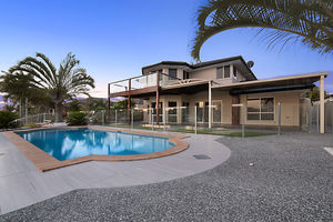 SUPERB VALUE CANAL HOME WITH ALL THE EXTRAS