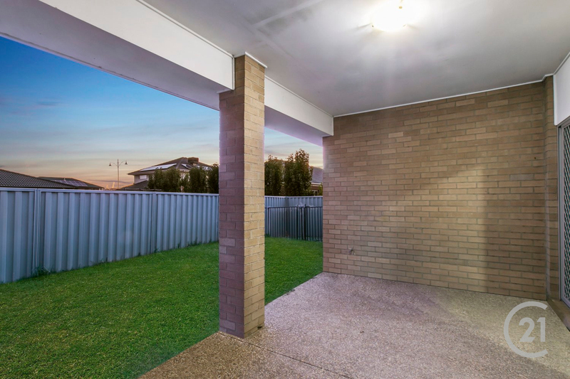 Photo - 2 Stable Street, Pakenham VIC 3810  - Image 8