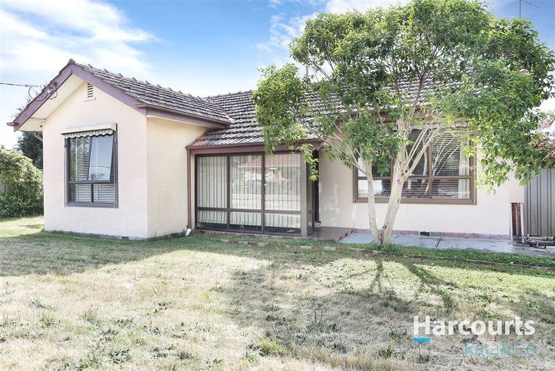 2 Whitelaw Street, Reservoir VIC 3073