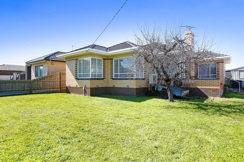 20 Camperdown Avenue, Sunshine North VIC 3020