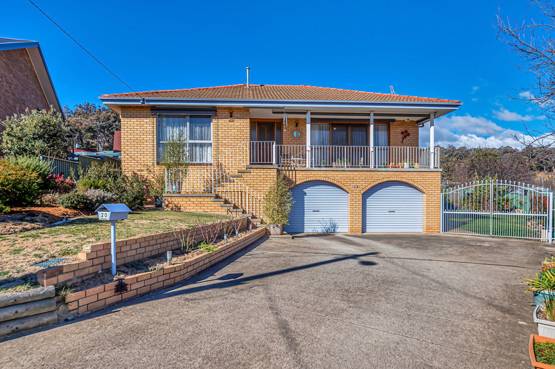 Photo - 20 Carwoola Place, Queanbeyan East NSW 2620  - Image 1