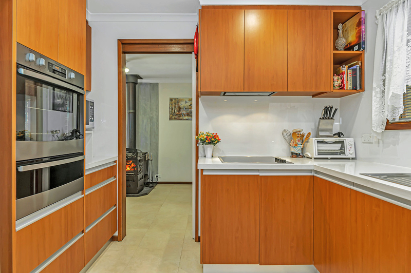 Photo - 20 Carwoola Place, Queanbeyan East NSW 2620  - Image 3