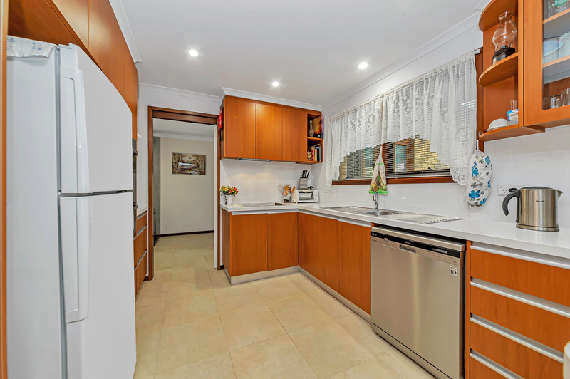 Photo - 20 Carwoola Place, Queanbeyan East NSW 2620  - Image 6