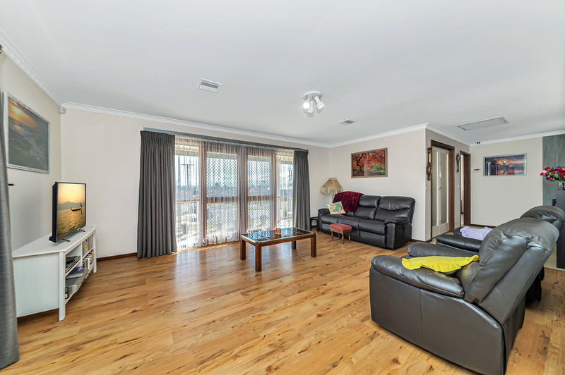 Photo - 20 Carwoola Place, Queanbeyan East NSW 2620  - Image 9