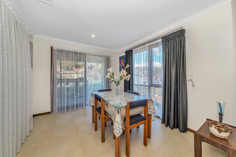 Photo - 20 Carwoola Place, Queanbeyan East NSW 2620  - Image 10