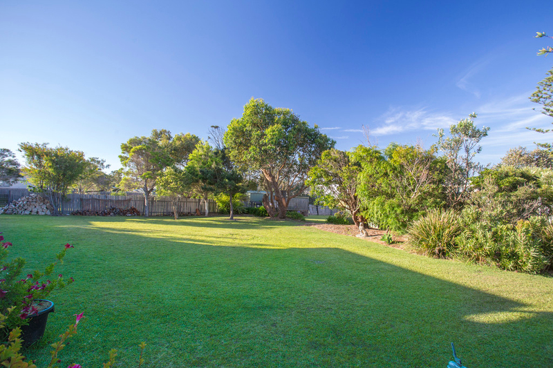 Photo - 20 Highview Drive, Dolphin Point NSW 2539  - Image 15