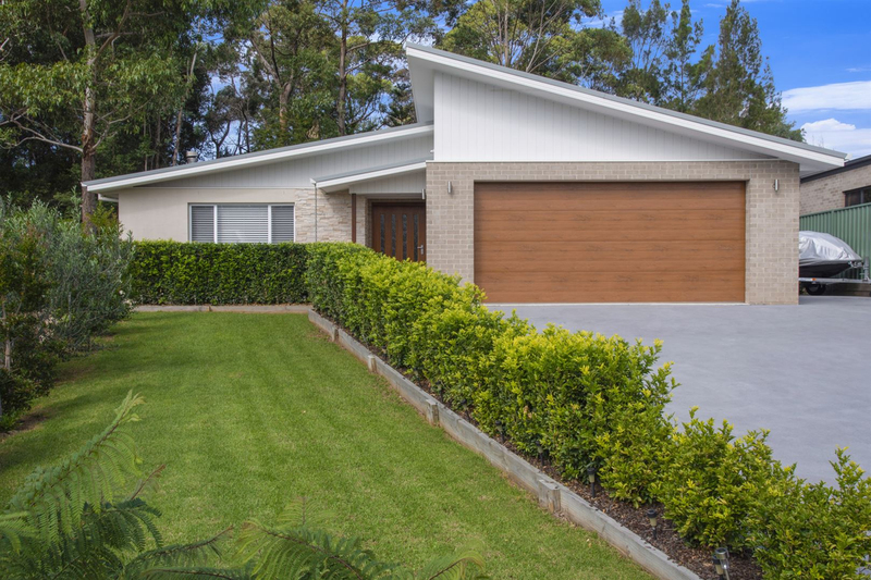 20 Molloy Street, Mollymook NSW 2539