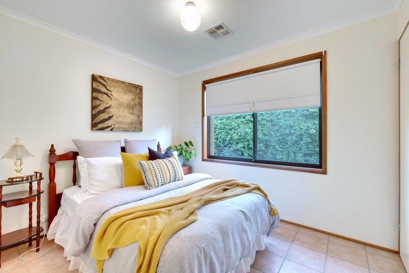 Photo - 21 Chataway Crescent, Fadden ACT 2904  - Image 17