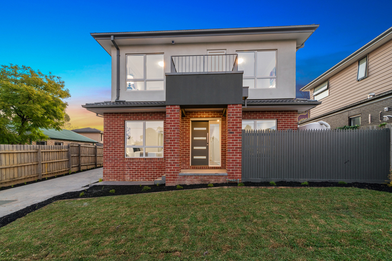 2/10 Berkley Street, Wantirna South VIC 3152