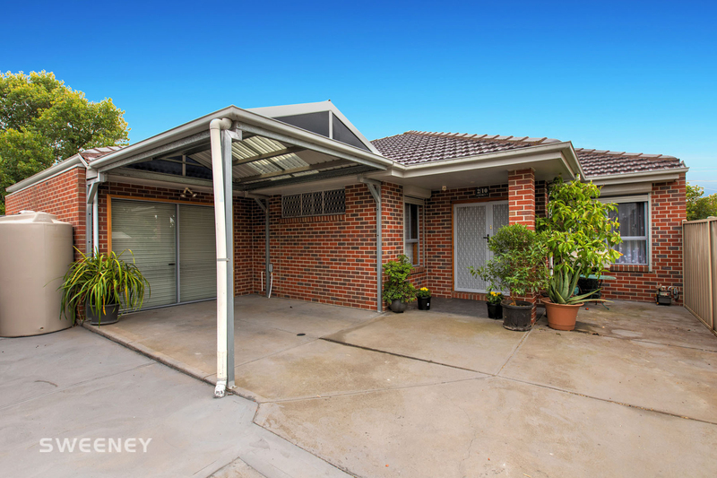 Photo - 2/10 Lincoln Street, Sunshine North VIC 3020  - Image 1