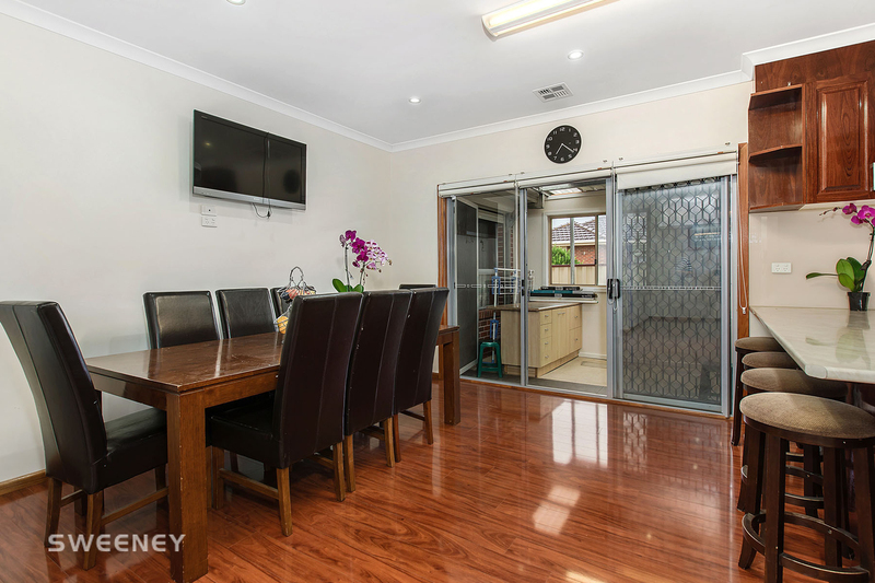Photo - 2/10 Lincoln Street, Sunshine North VIC 3020  - Image 3