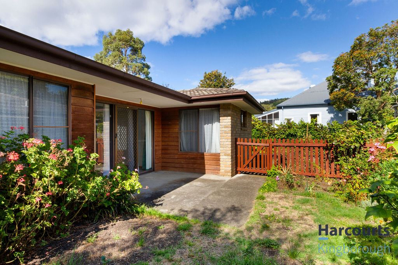 Photo - 2/11 Windsor Street, Kingston Beach TAS 7050  - Image 2
